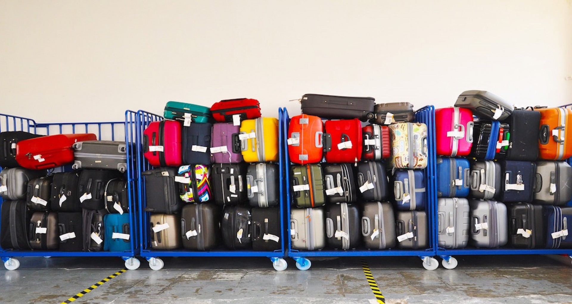 08101968c1c6a Zapísaná batožina a jej podmienky v leteckých spoločnostiach Ryanair, Wizz  Air a České airolínie